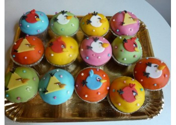 Cup cakes cu Angry Birds