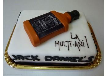 Tort cu sticla de Jack Daniels