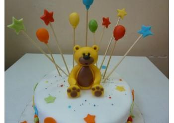 Tort cu ursulet si baloane