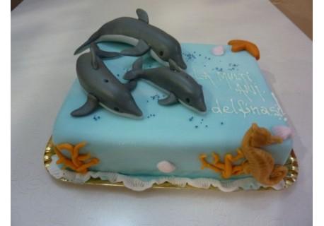 Tort cu delfini