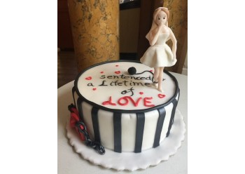 "Tort ""Condamnat la dragoste pe viata"""