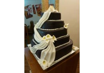 Tort nunta cu esarfa si cale