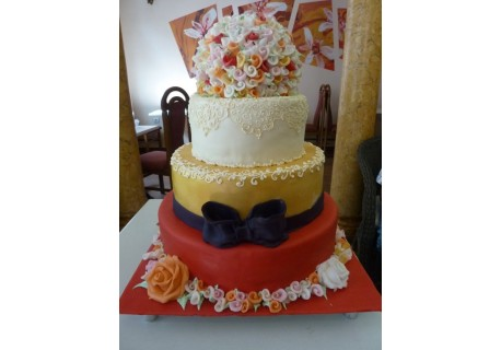 Tort nunta in culori