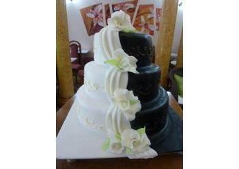 Tort nunta alb negru