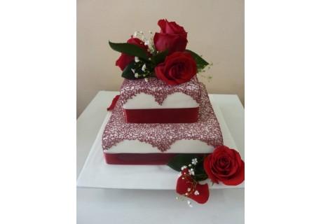Tort nunta cu trandafiri