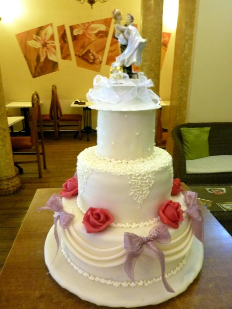 Tort Nunta Cu Fundite Roz Dolce Principessa