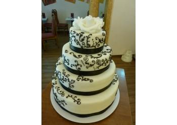 Tort nunta in alb si negru