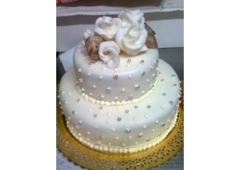 Tort nunta cu perle argintii