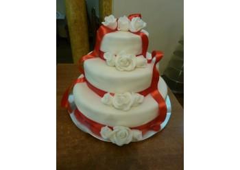 Tort nunta clasic trandafiri albi
