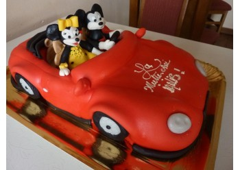 Tort cu Mickey si Minnie in masina