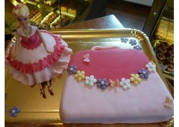 Tort papusa cu gentuta