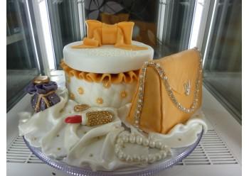 Tort geanta cadou, ruj si parfum
