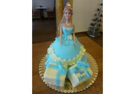 Tort papusa cu cadouri