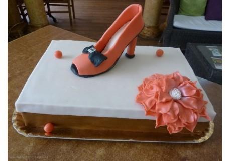 Tort cutie de pantofi